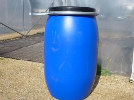 Réserve d'eau 120 litres occasion pour serre de jardin.